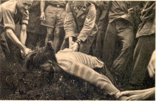 Генитальные пытки мужчин